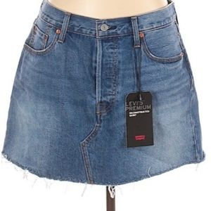 NWT Levi's Denim Skirt